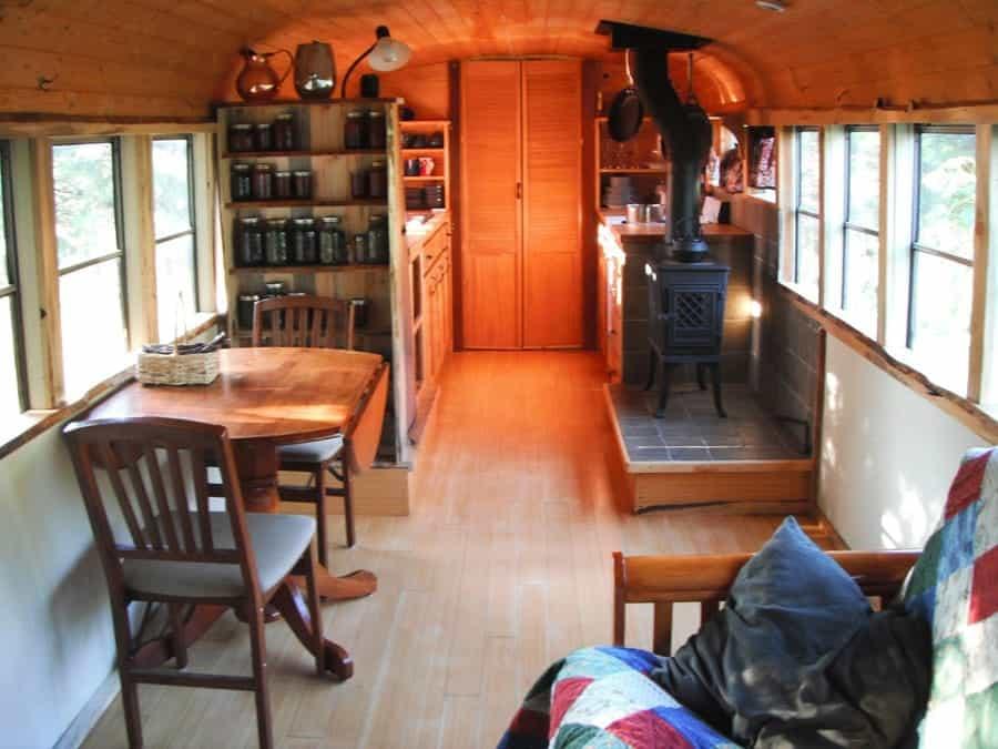 Дом из старого автобуса своими руками 77