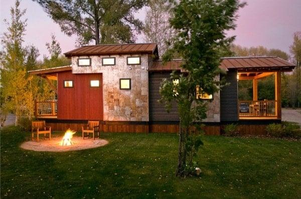 400-sq-ft-wheelhaus-cabin-0002-600x397