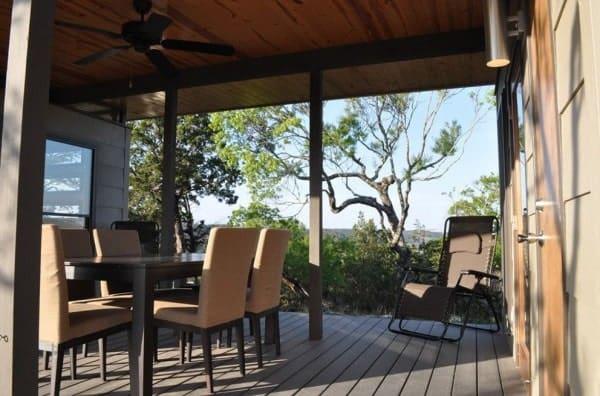 504-sq-ft-kanga-modern-cabin-with-breezeway-porch-00010-600x396