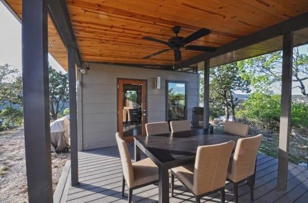 504-sq-ft-kanga-modern-cabin-with-breezeway-porch-00011-600x395