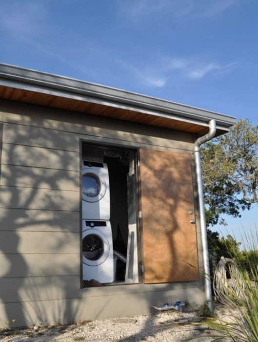504-sq-ft-kanga-modern-cabin-with-breezeway-porch-00014