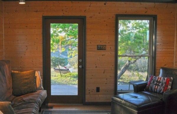504-sq-ft-kanga-modern-cabin-with-breezeway-porch-00018-600x386