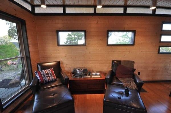 504-sq-ft-kanga-modern-cabin-with-breezeway-porch-00019-600x398