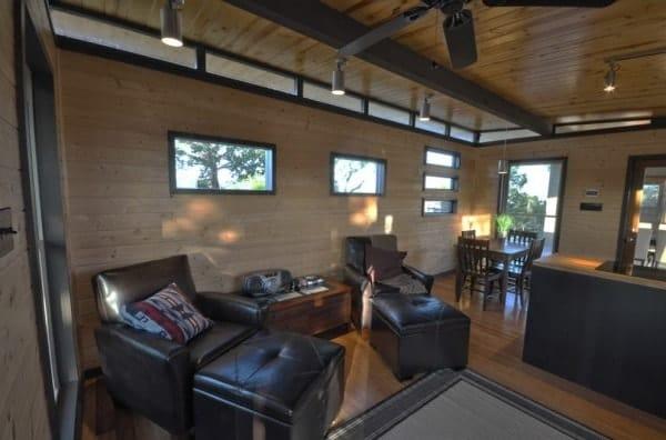 504-sq-ft-kanga-modern-cabin-with-breezeway-porch-00026-600x396