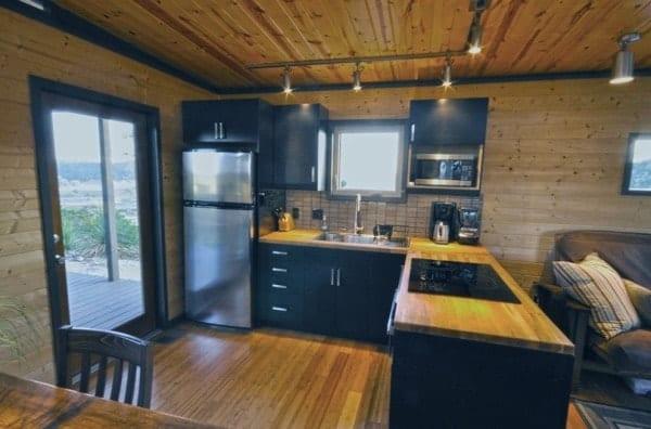 504-sq-ft-kanga-modern-cabin-with-breezeway-porch-00028-600x396