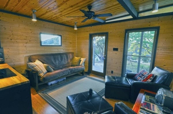 504-sq-ft-kanga-modern-cabin-with-breezeway-porch-00029-600x397