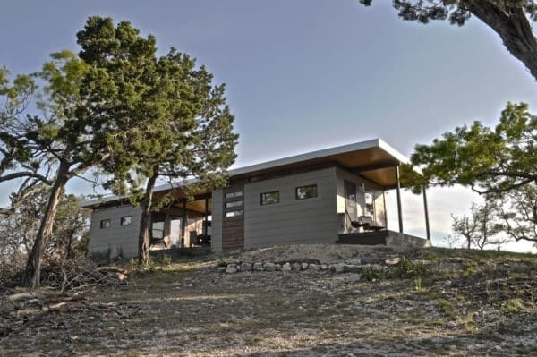 504-sq-ft-kanga-modern-cabin-with-breezeway-porch-0003-600x399