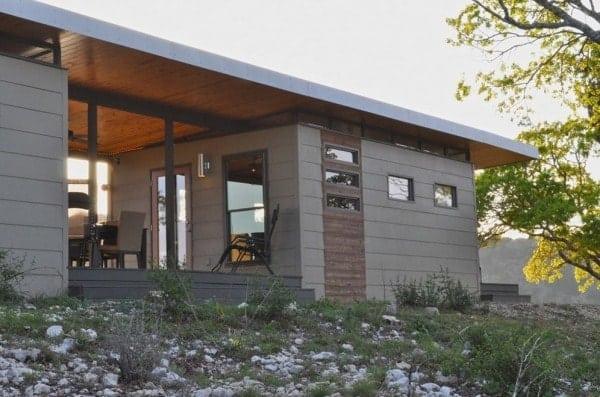 504-sq-ft-kanga-modern-cabin-with-breezeway-porch-0004-600x397