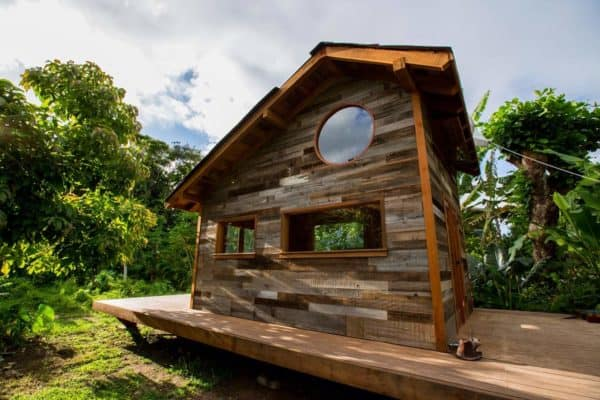 Jay-Nelson-Tiny-House-Hawaii