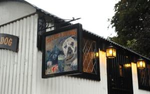 Pub-Hut-The-Cat-and-Bulldog-i-