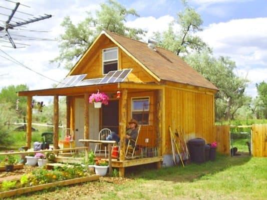 cabin vivid