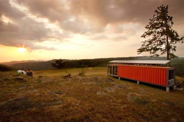 benjamin-garcia-saxe-containers-of-hope-exterior1