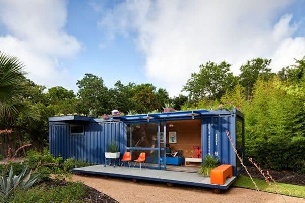 container-guest-house