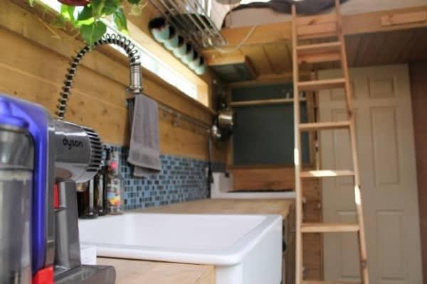 nathans-tiny-house-on-wheels-13-600x400