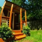 """The """"Orange House"""" Delivers Off-Grid Sustainability and Natural Fire Protection"""