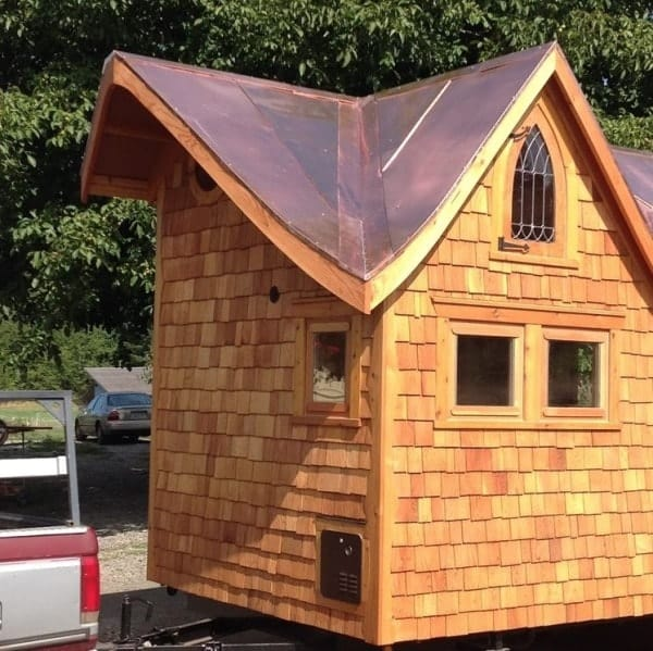 pineafore-tiny-home-on-wheels-by-zyl-vardos-008-600x599