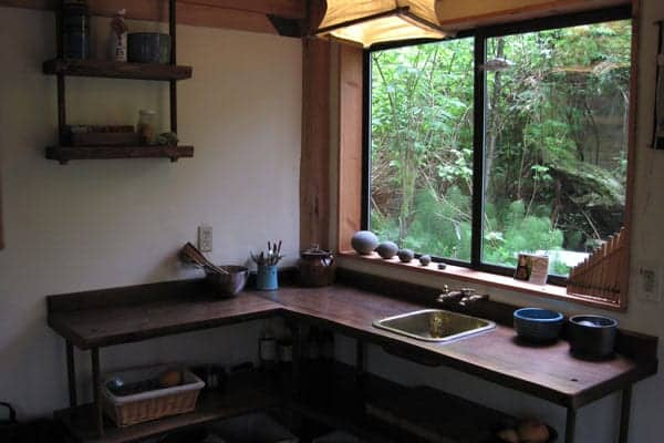 simple-japanese-inspired-tiny-house-zen-cabin-in-the-woods-05