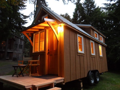 "The ""Ynez"" Tiny House on Wheels Features a Spacious Loft"