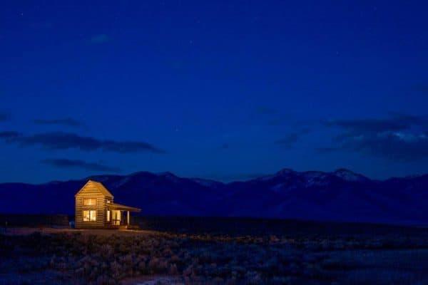 adventure_journal_weekend_cabin_summit_springs_01-1030x690