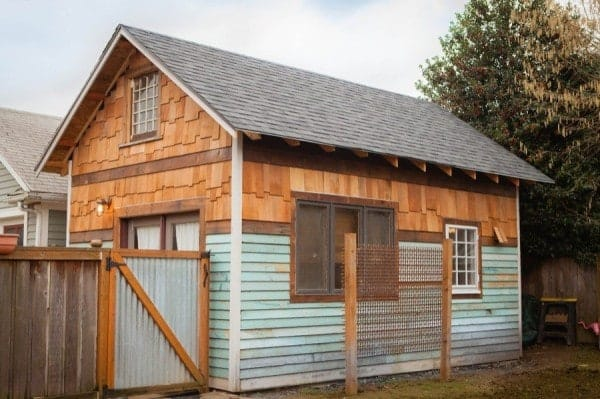 This Lovely House In Portland Mi Siding Options Using Staggered Shingles And Reclaimed Clapboard For