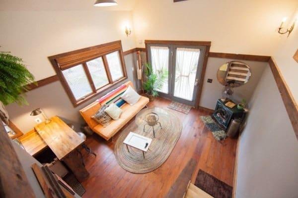 rustic-modern-tiny-house-pdx-002-600x400