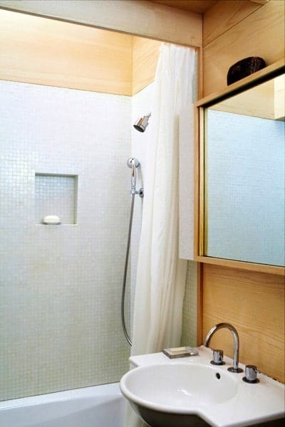 240-sf-micro-apartment-nyc-08-400x600