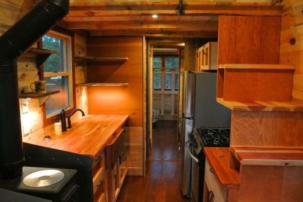 30 Tiny House On Wheels For Family Of
