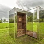 """Tiny Mirrored """"Lookout"""" Cabin Seamlessly Blends Into the Landscape"""