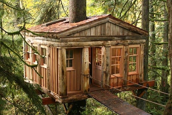 Whimsical-Treehouse-Point-Getaway-in-Issaquah-WA-1