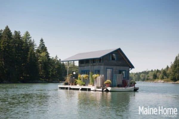 """Chateau Bathtub"" – A Hand Built Floating Cabin Off The Coast Of Maine"