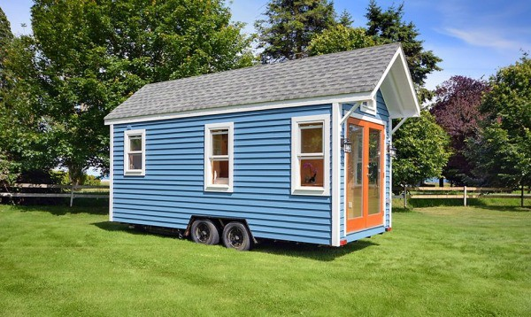 "Vancouver Builder Hits The Scene With Their 160 Square Foot ""Poco"""