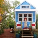 How One Couple Lives Offgrid In This Bright And Cheery Seaside Home
