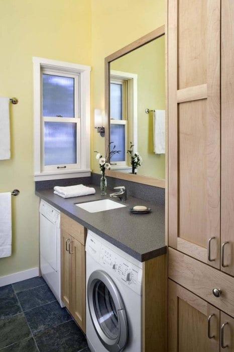 cathy-schwabe-mendocino-county-bathroom-
