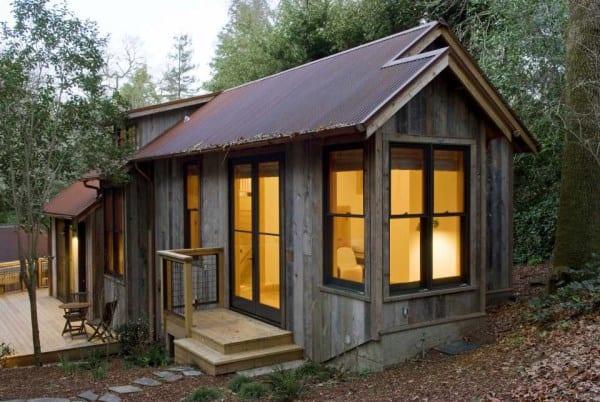 dotter-solfjeld-ross-guest-house-exterior3-via-smallhousebliss