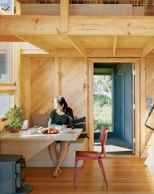 porter-cottage-breakfast-nook-portrait