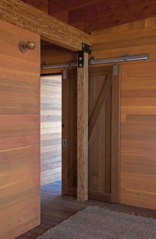 1319033385-08-cabin-655x1000