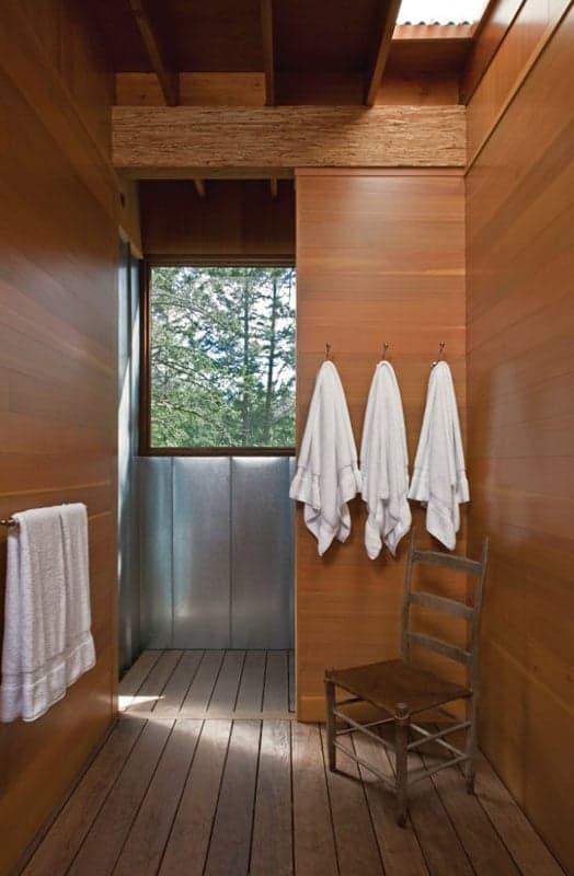 1319033397-09-cabin-655x1000