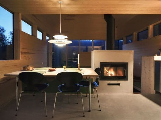 54dabb8ce58ececb53000090_cabin-laksvatn-hamran-johansen-arkitekter_archdailypanoramax4-530x397
