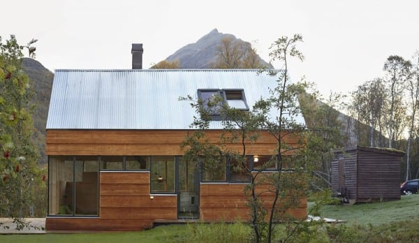 54dabc03e58ececf160000b4_cabin-laksvatn-hamran-johansen-arkitekter_untitled_panorama1007don-1000x581