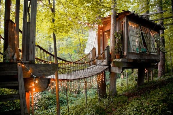 Sleep Under The Stars In This Beautifully Decorated Treehouse