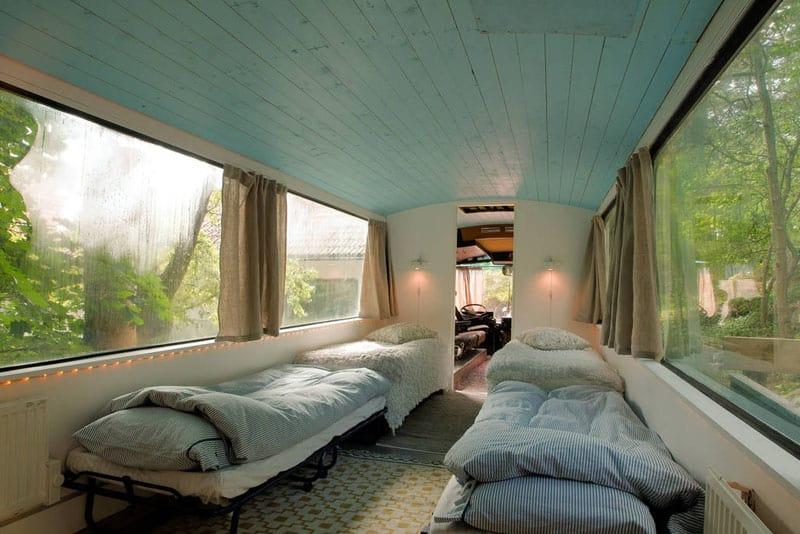 bus-rooftop-garden-9