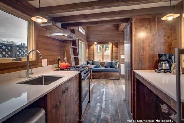 couples-backyard-tiny-house-on-wheels-05-600x400
