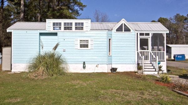 dp-karen-and-tom-rogers-tiny-house-vs-york-co-002-600x337