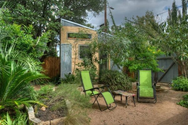 "Tiny Backyard Home With ""Floating"" Loft Brings The Colorado Rockies To Texas"