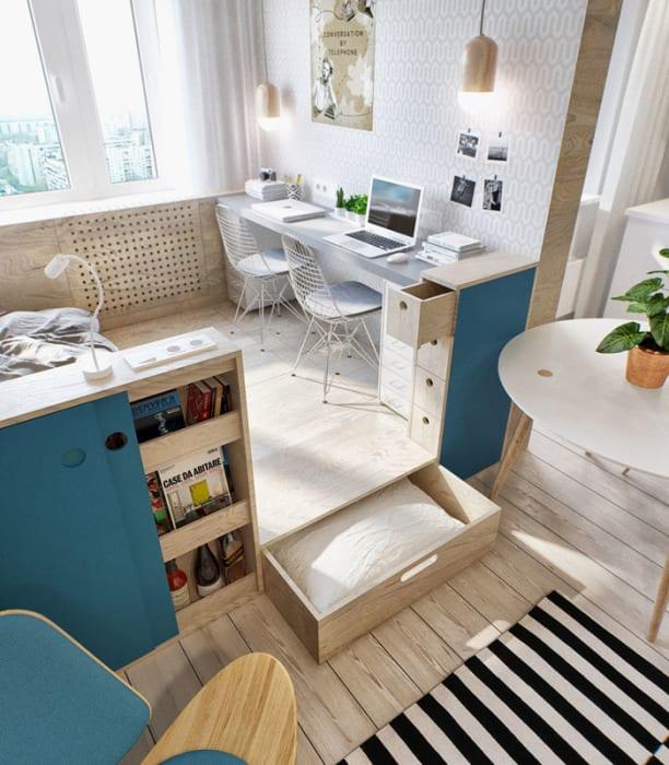 int2-desk