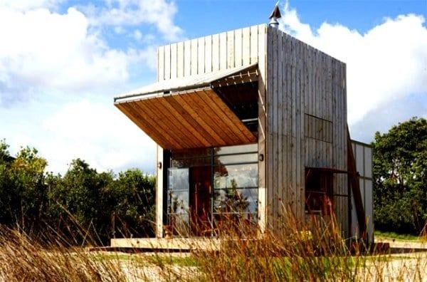 movable-beach-tiny-house-new-zealand-the-flying-tortoise