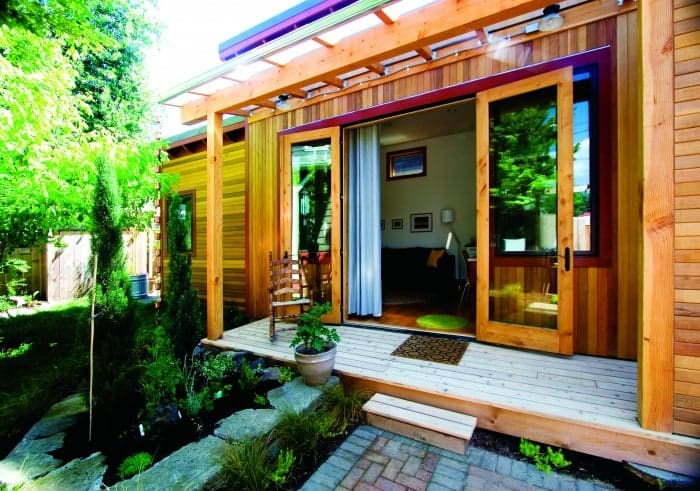 2012-Winter-Oregon-Tours-Portland-Pocket-House-exterior