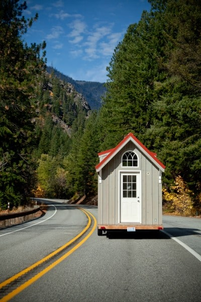 almost-glamping-tiny-house-012-400x600
