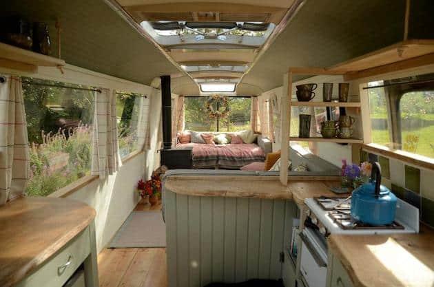 shabby-chic-garden-bus-house