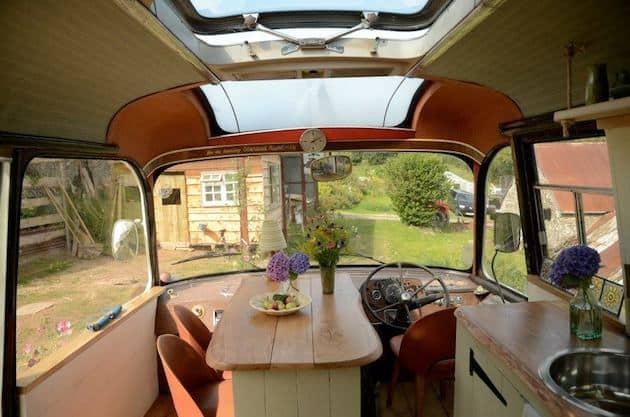 shabby-chic-garden-bus-house_
